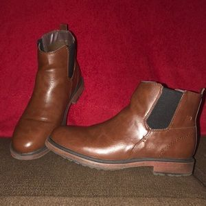Boys Camel Toe Ankle Boots